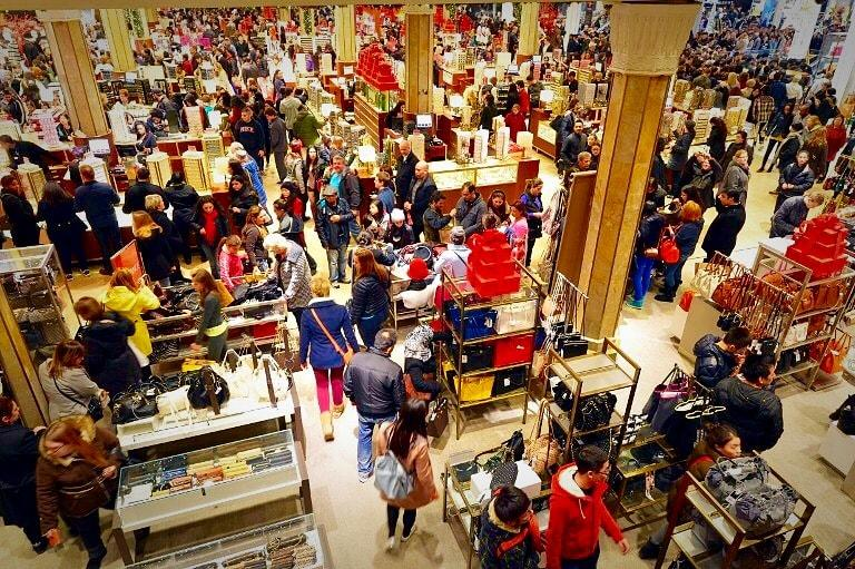 Shoppers+crowd+every+inch+of+a+store+while+searching+top+to+bottom+for+the+best+deals+and+perfect+Christmas+gifts.+%28Photo+Credit%3A+Creative+Commons+Flickr%29%0A