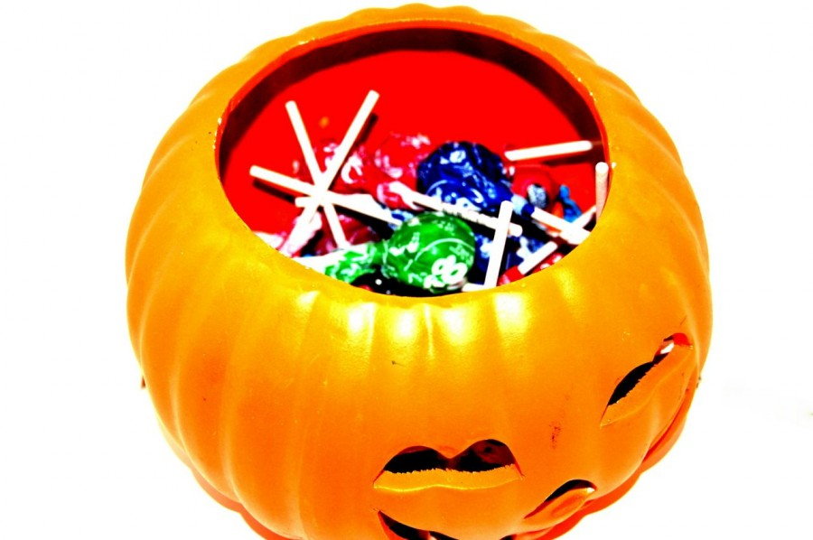 Are+teenagers+too+old+to+go+trick-or-treating+on+Halloween%3F+Mercy+girls+weigh+in+on+the+free+candy+issue.