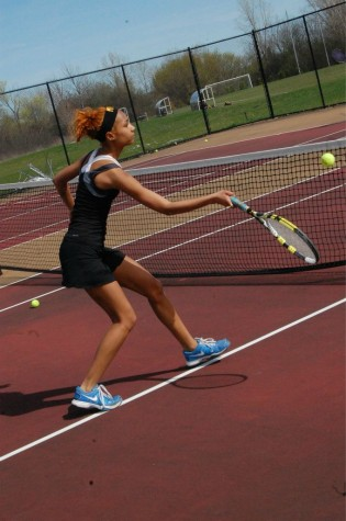 Varsity Tennis Wins Match Against Ann Arbor Huron