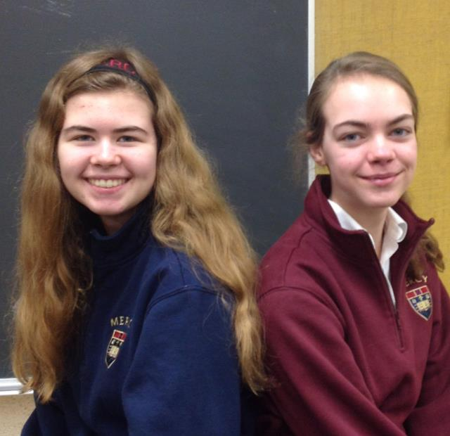 Sisters+Olivia+Warner%2C+sophomore%2C+and+Anastasia+Warner%2C%0Afreshman%2C+bond+over+their+experiences+on+Mercy%E2%80%99s+Novice+Quiz+Bowl+Team%0Atogether+%28Photo+Credit%3A+Alana+Sullivan%29.+