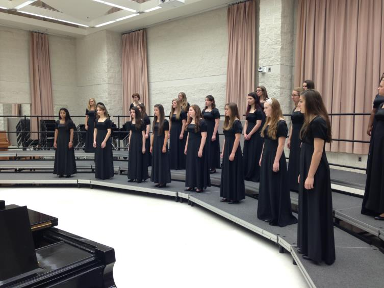 A+choir+must+be+over+a+specific+size+to+qualify+for+choral+festival%2C+so+the+Mercyaires+and+Advanced+Glee++joined+forces+to+compete+%28Photo+credit%3A+Mrs.+Rebekah+Ferguson%29.