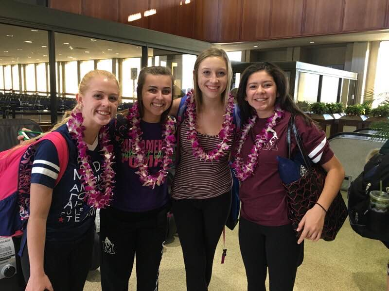 Mercy students enjoy a short, but pleasant stay in Honolulu in which they got to show their thanks for veterans. (Photo credit: Lauren Hosko)
