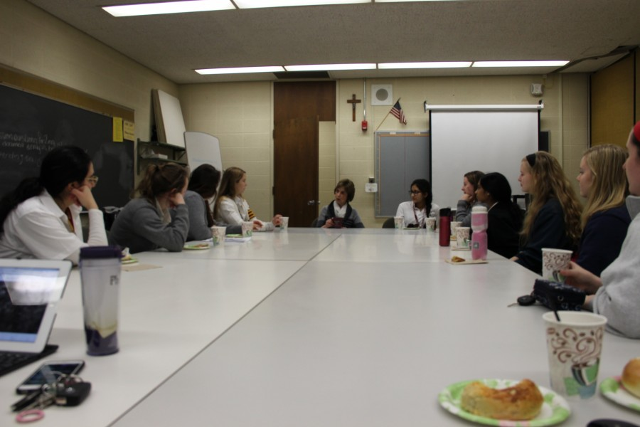 Several+Mercy+students+listen+attentively+to+Mrs.+Witte%E2%80%99s+input+and+ask+direct+questions+about+her+role+on+the+administrative+team.+%28Photo+credit%3A+Brooklyn+Rue%29