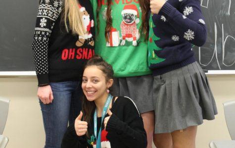Lauren Isaacson, Taylor Mackenzie, Julia Kleismit, Kristen Mifsud, seniors