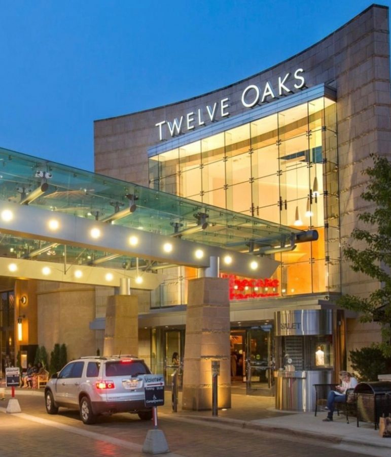 Twelve+Oaks+Mall+in+Novi+is+a+popular+mall+many+shoppers+rush+to+on+Black+Friday+for+the+excellent+deals.+The+mall+allows+people+to+shop+from+6+p.m.+until+midnight+on+Thanksgiving+and+re-opens+at+7+a.m.+on+Black+Friday.+%0AFair+use%3A+Instagram