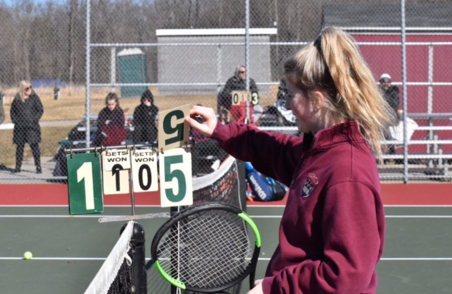 Varsity+tennis+scrimmages+with+Walled+Lake+Northern