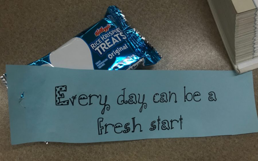 Positive+messages+fill+students+with+motivation+as+they+start+their+Mindful+Monday+with+a+sweet+treat.%0APhoto+by+Caitlin+Flynn