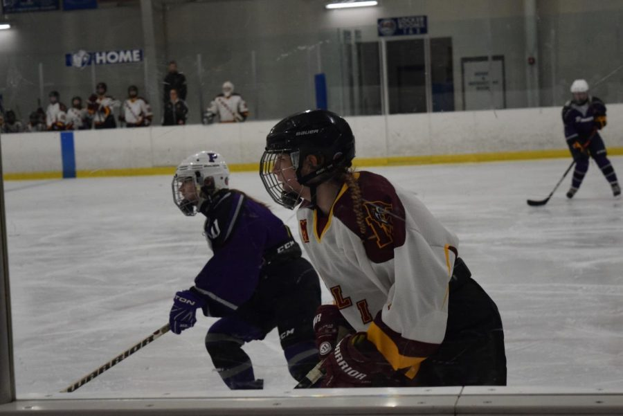 Hockey+hauls+the+win